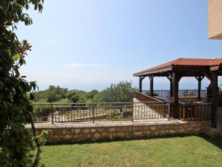 2-storey house with a beautiful view of the sea, Sveti Stefan