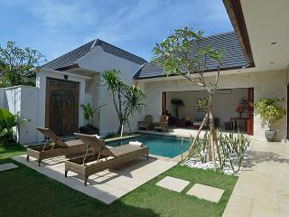 Villa Sapa Private 1 or 2 bedroom  with pool, Sanur