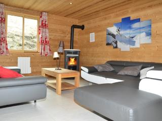 Chalets Lacuzon au pied des pistes: jacuzzi, sauna, Les Menuires