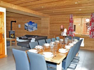 Chalets-Lacuzon-les-Menuires-salle-à-manger