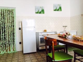 Gabelli House, vicinanze mare, 3 locali, 4 persone, Cecina