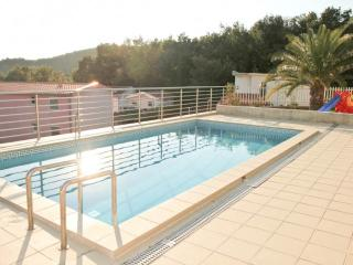 Cozy two-storey Villa with swimming pool, Susanj