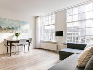 Private Apartment at Top Location in the Centre, Amsterdã