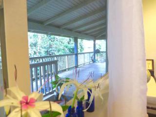 Aloha Vegetarian & Vegan Sanctuary - The Aloha House