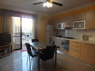 2 Bedroom Apartment A/C & Wifi, San Pawl il-Baħar (St. Paul's Bay)