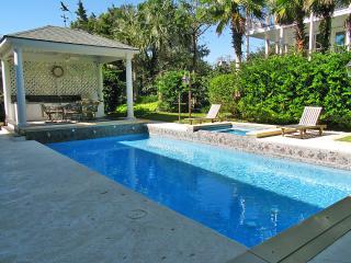 Heatable (for fee) Pool and Hot Tub
