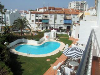 AP140  Large apartment, pool, Parador area, Nerja