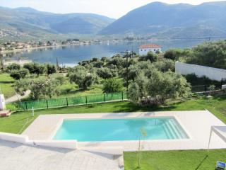V.I.P. VALUE FOR MONEY POOL VILLA Near Anc. Delphi