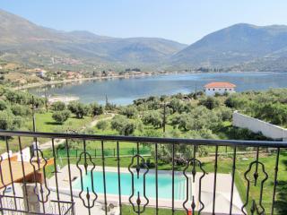 V.I.P. VALUE FOR MONEY POOL VILLA Near Anc. Delphi