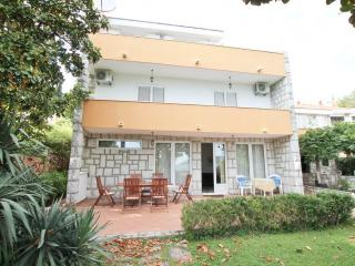 3storey house overlooking the sea, with large yard, Herceg-Novi