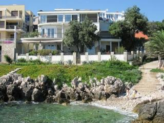 Luxury Villa on the beach, with swimming pool, Utjeha