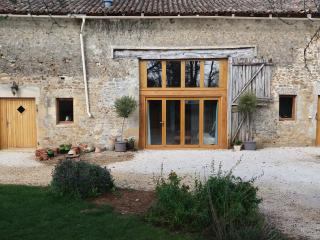 Newly renovated barn in Poitou-Charentes, Limalonges