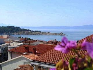 Beach apartment, amazing SVIEW,balcony,AC, 50m sea, Makarska