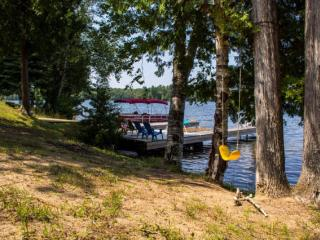 Lake Front Cottage For Rent
