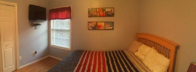 Beachy Queen bedroom #2 complete w/flat screen