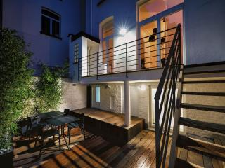 Louise District - Spacious Duplex Two Bedrooms with Terrace