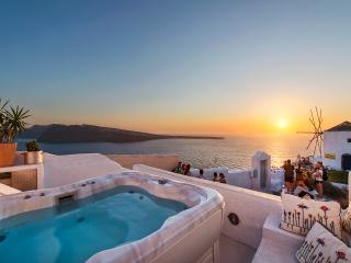 CanavaView at Sunset with Jacuzzi by Thireon