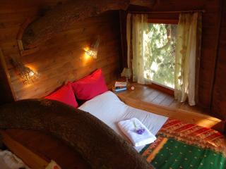 Treehouse set in absolute nature close to beachs, Amaliada