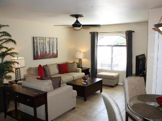 Luxury 2Bd/2Ba Vacation Condo Rental (MINIMUM 30 DAY STAY), Tucson