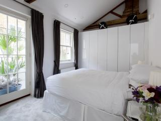 onefinestay - Stanhope South Mews II apartment, London