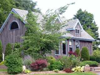 Bloomfield Garden Cottage, Prince Edward County