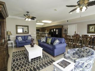Large 6 Bedroom Ocean View | Game Room | Less than 1 mile to attractions, Noord Myrtle Beach