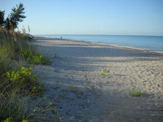 Beautiful Bay to Beach Home on Manasota Key