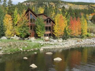 Blue River Luxury Home w/Mountain Views 1.5 Miles from Downtown Breckenridge
