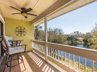 Great Location Across from the Beach Affordable  1 bedroom 1 bath Condo, Destin
