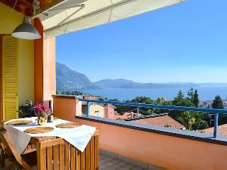 Cleopatra wonderful apartment in Verbania with lake view