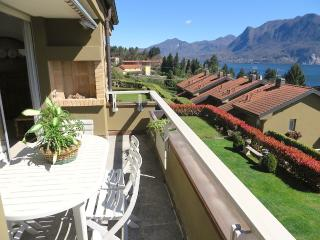Selva 1 apartment in Ghiffa with pool and lake view