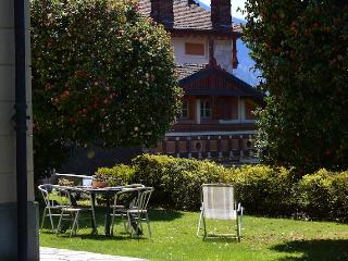 Il Fiore 2 apartment in Ghiffa with garden and lake view