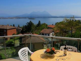 Castagneto apartment with lakeview in Baveno