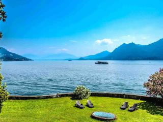 Est apartment with lake view in Pallanza