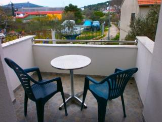 Two-Bedroom Apartment near the festival site in Ti, Tijesno
