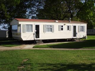 Isle of Wight Caravan Holiday Let (Willow 6/8), St Helens