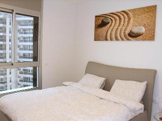 Stunning Condo w/ Sea Views, Lagoon - Netanya TL01