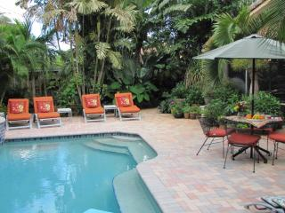 Elegant Oasis 3b/3b,Pool,Near Beach,Walk to Dining, Wilton Manors