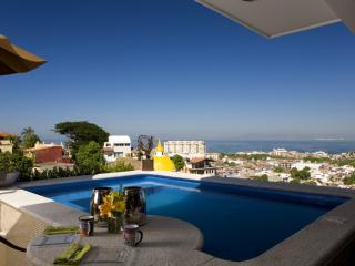 CASA CELESTE -  Elegant studio penthouse, pool, Puerto Vallarta