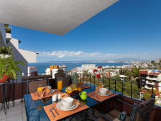 CASA ESPERANZA - 3 bedroom condo with views., Puerto Vallarta