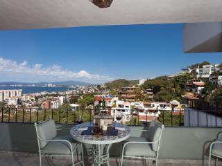 CASA ESPERANZA - 3 bedroom condo with views.