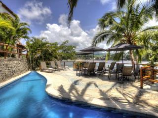 EL NIDO, Beachfront 2/2, Luxury,Pool,Walk to town