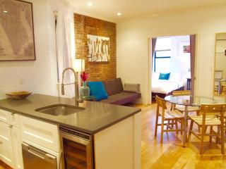 Amazing Soho location- 3 Bedroom/2 Bathroom apt. on lovely tree-lined street!, New York City