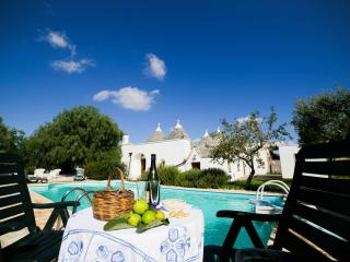 Trullo Carolina, Classic Collection, self catering with private pool in Puglia | Raro Villas, Locorotondo