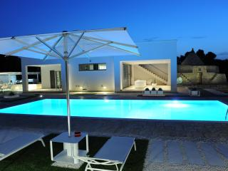 La Cintura di Orione, extra luxury villa in Puglia with sea view & luxury amenities | Raro Villas, Ostuni