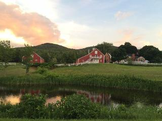 Stone Brook Hill Farm (BAL128AB), Gilford