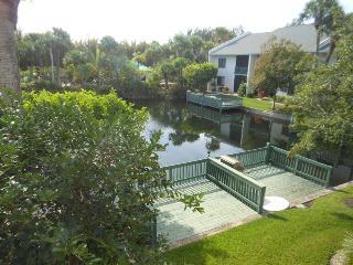 Ocean Village JJ BeachTree II  6122 - Pond View, Fort Pierce