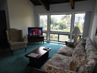 Ocean Village JJ Coral Cluster 1023 - Pond View, Fort Pierce