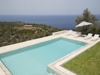 Villa Sea View Deia - Majorcan villa in Deia for 12 people with stunning sea views, Deià