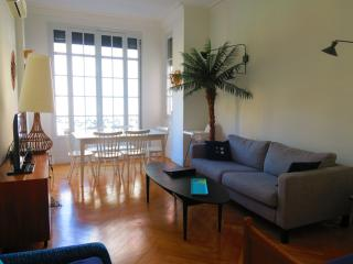 Ashley&Parker -  PALAIS ALBERT - 2bedrooms bourgeois apartment, Victor Hugo area, Niza